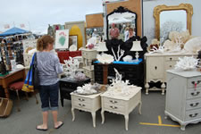 AlamedaPointAntiquesFaire M-007