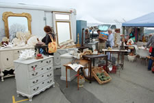 AlamedaPointAntiquesFaire M-008